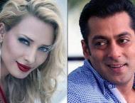 Did Salman Khan gift rumoured girlfriend Iulia Vantur a ring?