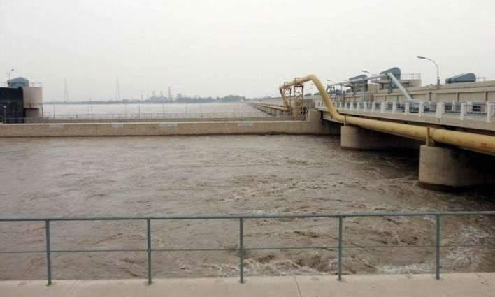 Rivers Indus, Kabul continue to run in low, medium flood