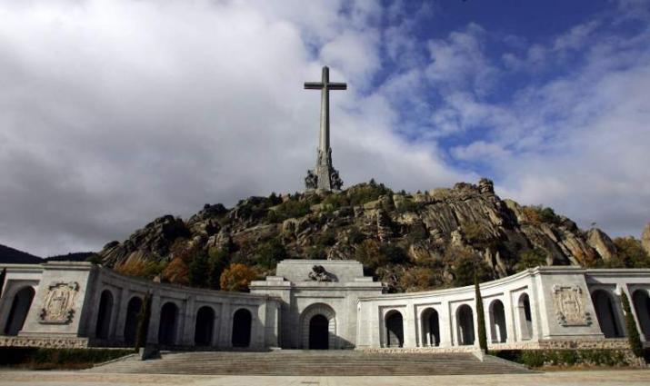Vatican Disavows Former Nuncio's Comments on Francisco Franco's Exhumation - Press Service