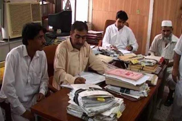 Punjab Govt Regularizes Contract Employees - UrduPoint
