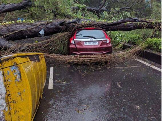 Sri lanka braces for heavy rains, strong winds