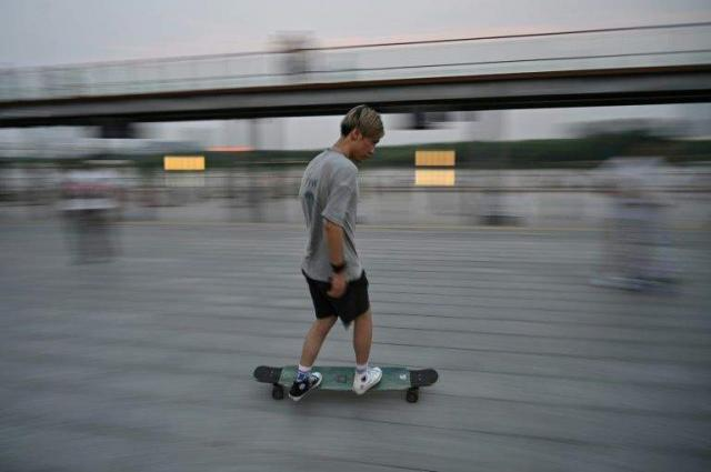 Skateboarders squeezed out in fight for Shanghai streets