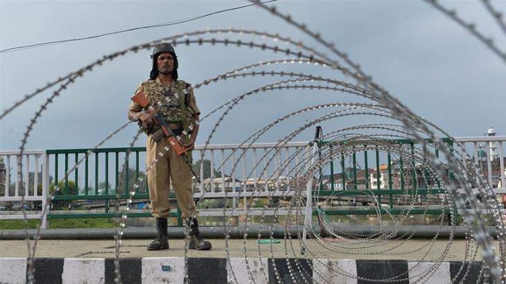 Srinagar a maze of razor wire, steel barriers
