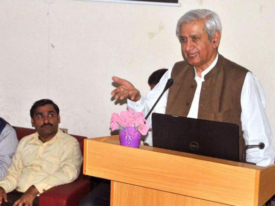 Syed Fakhar Imam urges world powers to play role for peaceful Kashmir settlement