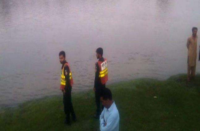 Teenager found killed in canal in Sialkot