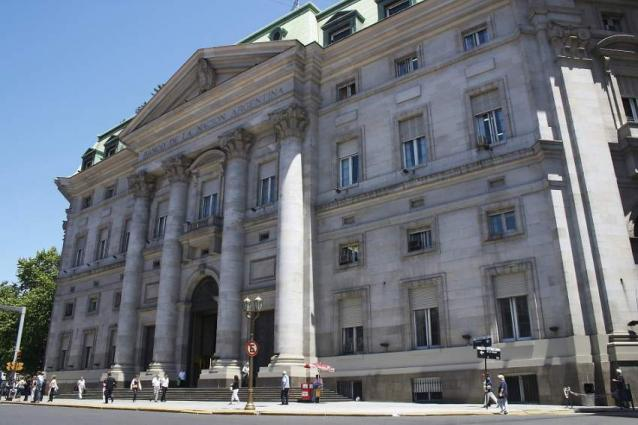 Argentina's Largest State Bank Strengthens Peso - Dollar Costs 58 Pesos