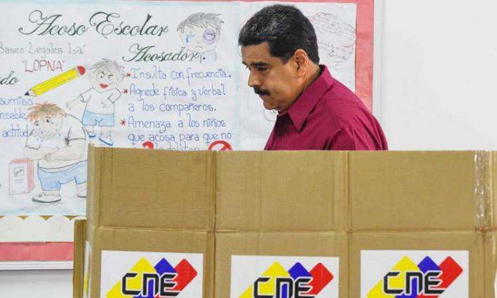 Venezuela threatens early elections to pressure opposition