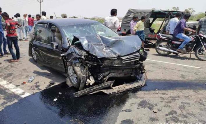 Motorway Police SI Injured In Road Accident - UrduPoint