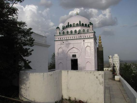 Call for preservation of British era Baba Jee Mosque