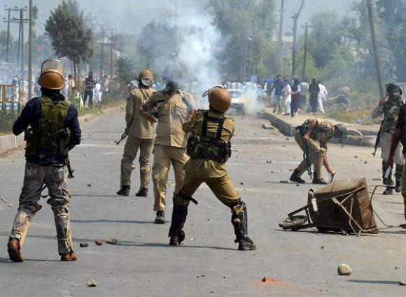 Scholars strongly condemn Indian atrocities in IOK at seminar