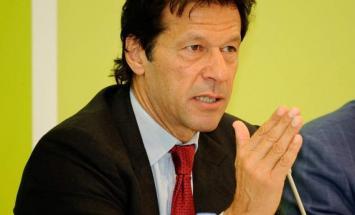 رئیس الوزراء الباکستاني عمران خان یستقبل ..