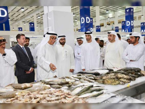Minister of Climate Change visits Dubai's Waterfront Market
