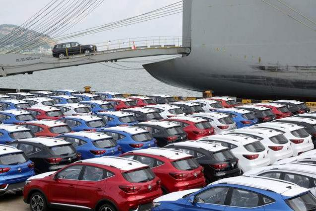 China auto sales down 6.9 pct in August