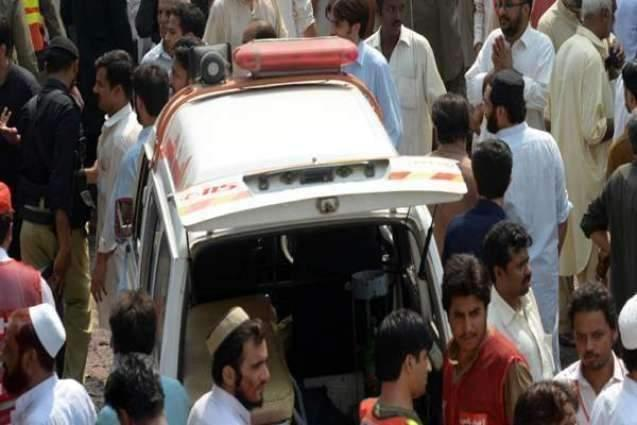 Robber among two killed in Sargodha
