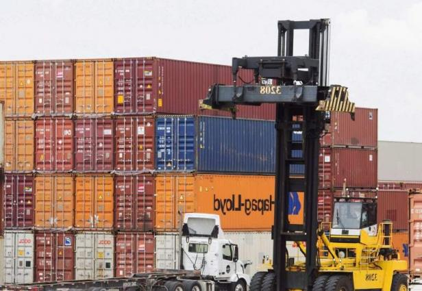 Merchandize trade deficit shrinks 32.96 % in July
