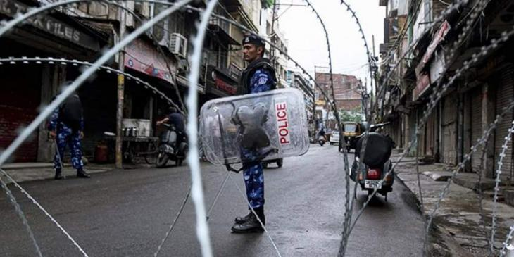 People facing difficulties due to curfew in IoK