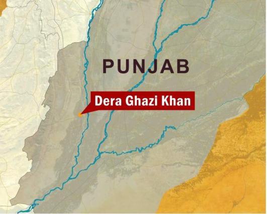 Minor school girls deprived of gold earrings in Dera Ghazi Khan