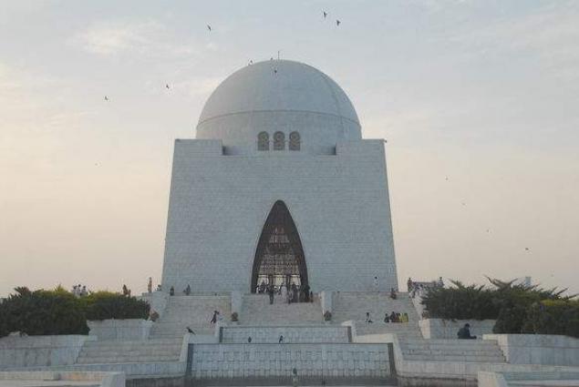 DG Rangers Sindh visits mausoleum of Quaid-e-Azam