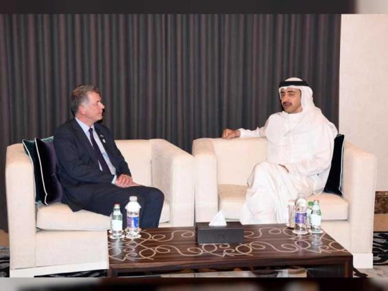 Abdullah bin Zayed receives FCO official