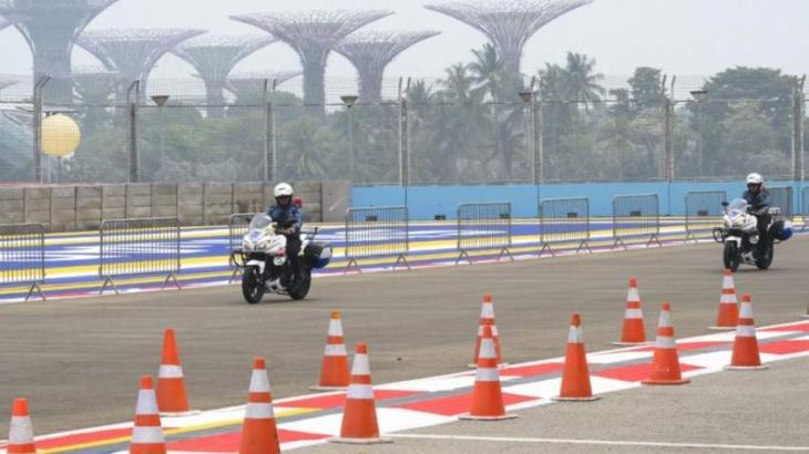 Indonesian haze closes schools, sparks fears for Singapore F1
