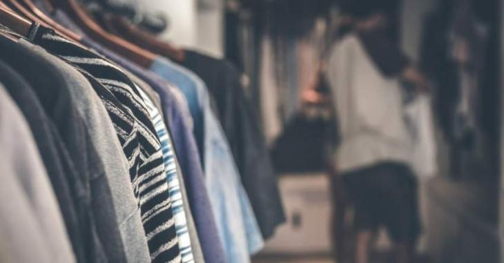 Trend of 'clearance sales' in clothing brands climbs down