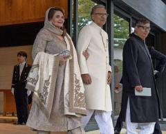 President briefs dignitaries about Kashmir issue, highlights its importance for regional, Intl. peac ..