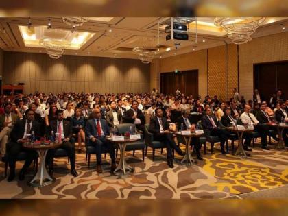 400 من المسؤولين ورجال الأعمال يحضرون فعاليات أسبوع التجارة والاستثمار الإماراتي الفيتنامي