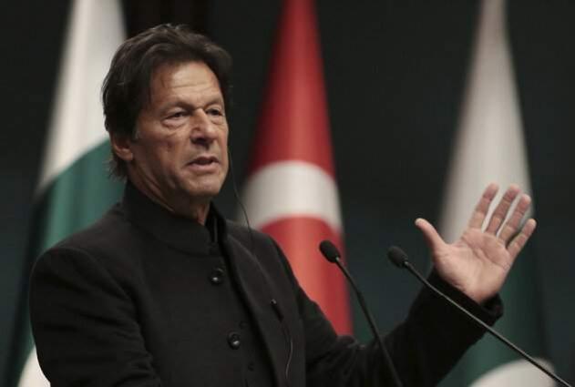 رئیس الوزراء الباکستاني عمران خان یتوجہ الیوم الي الصین في زیارة لہ الرسمیة