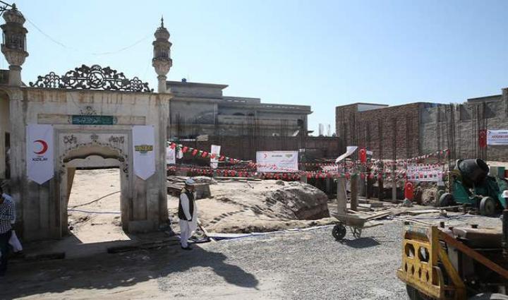 Восстановление 118-летней мечети в Джханге