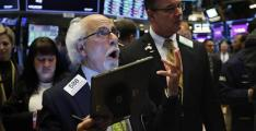 US stocks dip amid cloudy outlook for trade deal