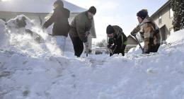 Snowfall rises, disrupts routine life in Astore