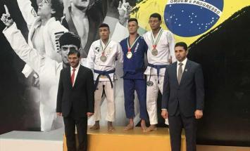 13 ميدالية ملونة لأبطال الإمارات في اليوم ..