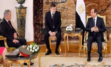 الرئیس المصري عبدالفتاح السیسي یستقبل ..