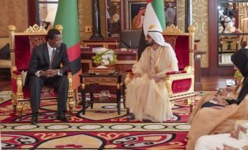 محمد بن راشد يستقبل الرئيس الزامبي