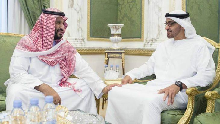 ولي عھد أبوظھبي محمد بن زاید یستقبل ولي العھد السعودي الأمیر محمد بن سلمان
