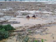 Philippines floods force 66,000 from homes