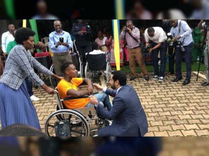 سفارة الدولة في رواندا توزع كراس متحركة على أصحاب الهمم بمناسبة عام التسامح