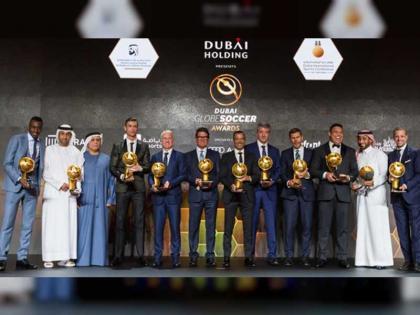 نجوم كرة القدم يستعرضون في دبي تجاربهم الناجحة