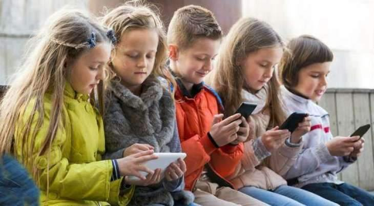 Excessive use of smart phone putting children's health at risk