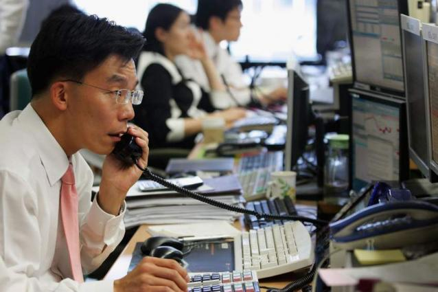 3 out of 10 S. Korean working moms irregular employees