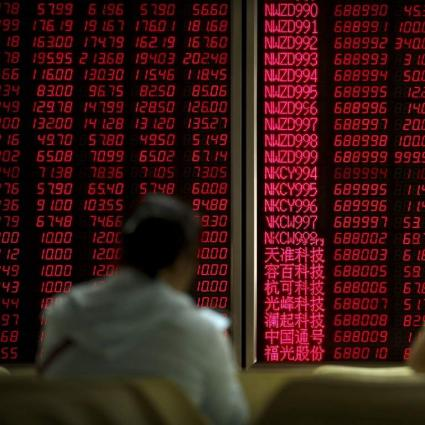 Stock exchange gains 799 points