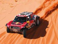 Peterhansel takes stage but Sainz retains Dakar lead