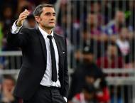 Valverde on the brink as Barcelona consider their options