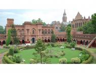 Government College University (GCU) opens admissions in 11 langua ..