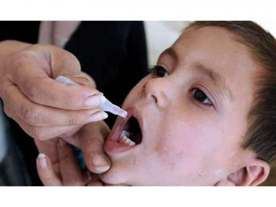 DC Sukkur visits various villages to monitor anti-polio campaign