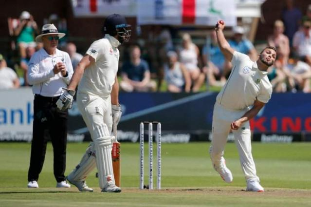 Wood returns as England win toss and bat in third Test