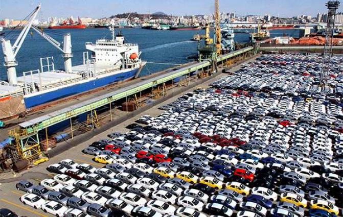 Auto exports down for 6th month on strike, fewer working days