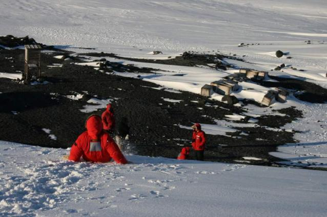 UK, Russia Agree on Need to Regulate Tourism, Research in Antarctica - London