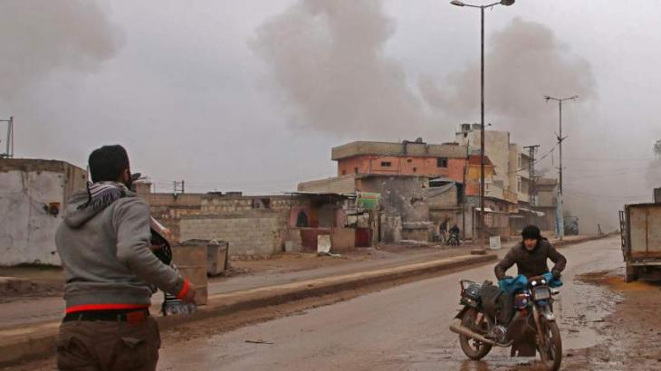 Syria government forces chip away at rebel enclave