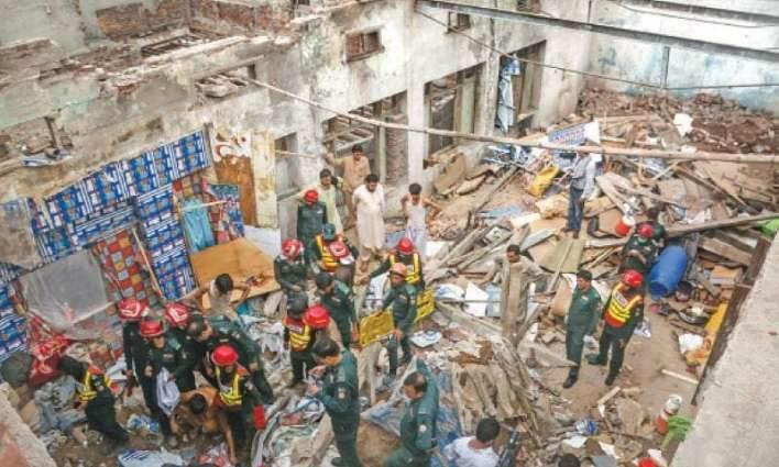 Four killed, two injured in roof collapse in Lahore